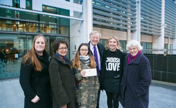 Lord Dubs and Help Refugees volunteers
